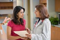 Đau bụng dưới khi phá thai bằng thuốc có sao không?