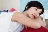 Bình thường, trong một chu kỳ kinh nguyệt, số ngày hành kinh của người phụ nữ dao động trongkhoảng 2 - 6 ngày và lượng máu kinh chảy ra khoảng 10 - 80ml. Nếu thời gian hành kinh dưới 2 ngày hoặc lượng máu chảy ra trong kỳ kinh dưới 10ml thì đó là hiện tượng kinh nguyệt ra ít.