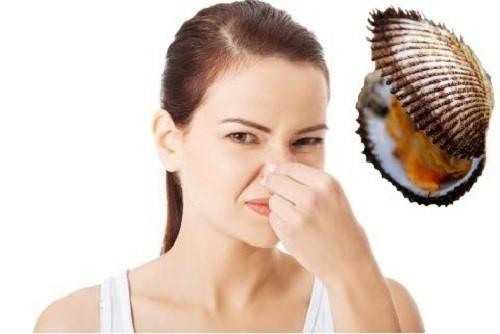 Vì sao vùng kín có mùi hôi tanh khó chịu?