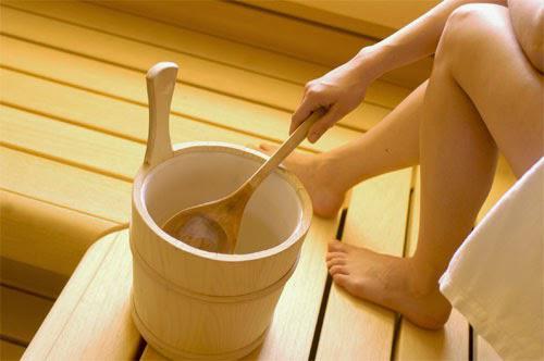 Bị ngứa vùng kín có nên rửa nước muối không?