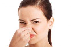 Bạn cần xác định được nguyên nhân của vấn đề để giải quyết triệt để mùi hôi vùng kín