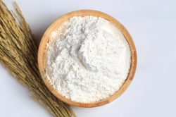 Cách trị huyết trắng có mùi hôi bằng bột gạo